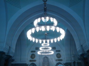 inside_design_one_of_the_domes_of_masjid_qiblatain_by_zampuktu-d5q13zx